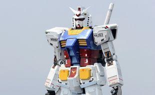 Une réplique grandeur nature du robot Gundam a fait ses premiers pas au Japon