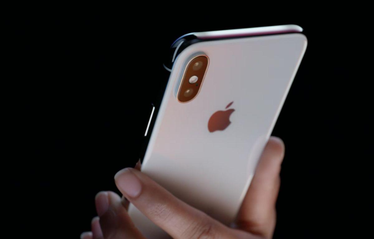 L'iPhone X dispose d'un écran sans bord de 5,8 pouces. – DR