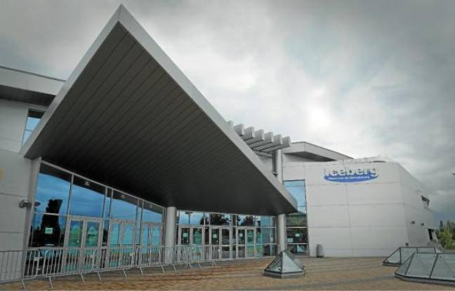 Inaugurée en décembre 2005 à Cronenbourg, la patinoire a coûté 21millions d'euros à la CUS.