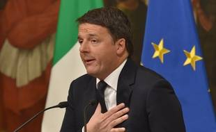 Le chef du gouvernement italien Matteo Renzi annonce sa démission à Rome, le 4 décembre 2016.