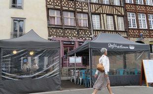 Les barnums, comme ceux installés place du Champ-Jacquet seront interdits à Rennes à partir de 2022.