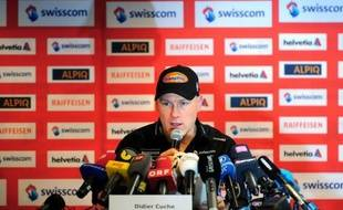 L'ancien champion du monde suisse Didier Cuche, 37 ans, a annoncé jeudi à Kitzbühel, à la veille des épreuves de la Coupe du monde de ski alpin dans la station autrichienne, qu'il mettait un terme à sa carrière en mars, à la fin de la saison 2011-2012.