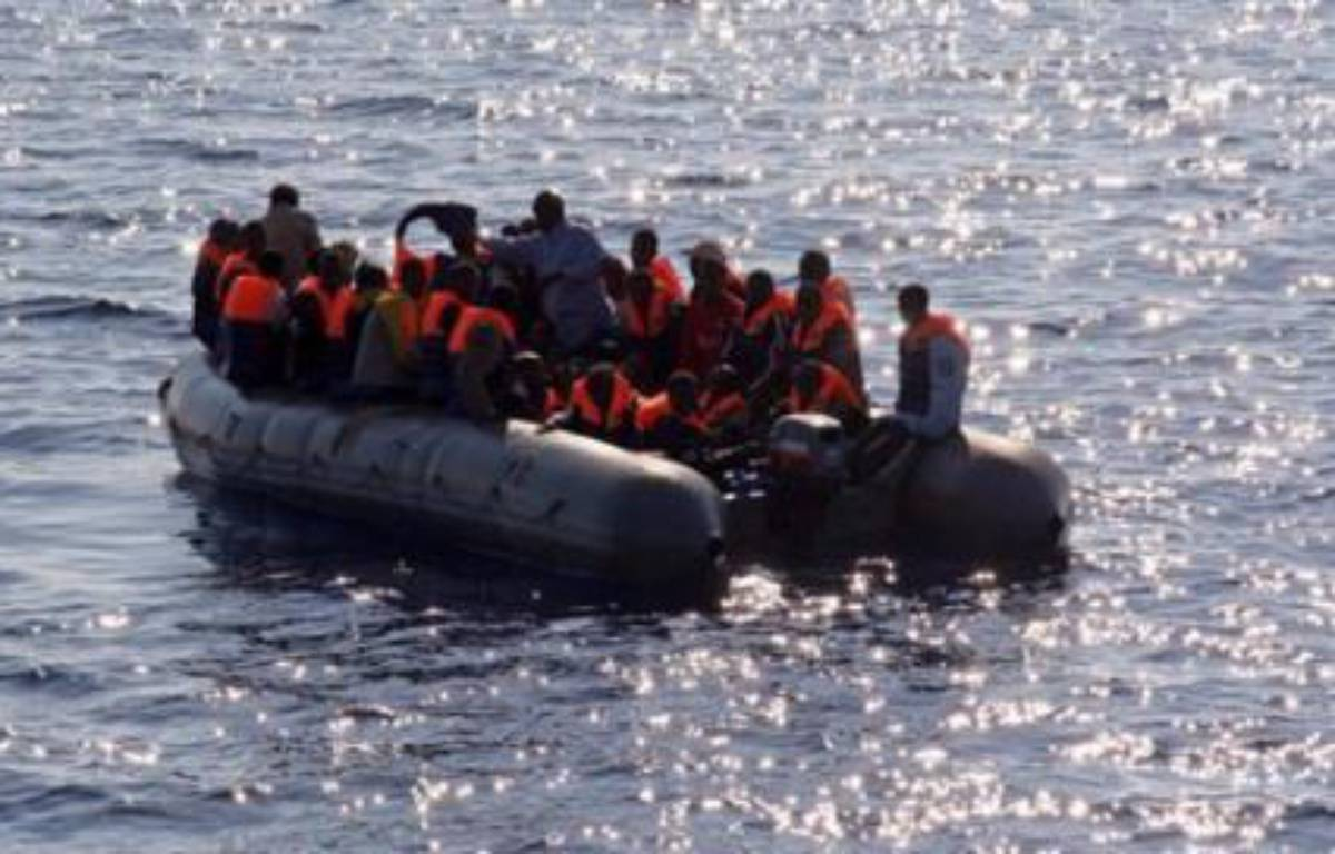 Quatorze personnes ont péri et sept étaient portées disparues vendredi après le naufrage, au large de Mayotte, d'une barque chargée de clandestins venus chercher fortune sur l'île française de l'Océan indien. – Mauricio Esse AFP/Archives