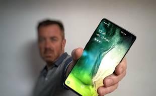 Le Samsung Galaxy S10 est lancé à 1009 euros en 128 Go.