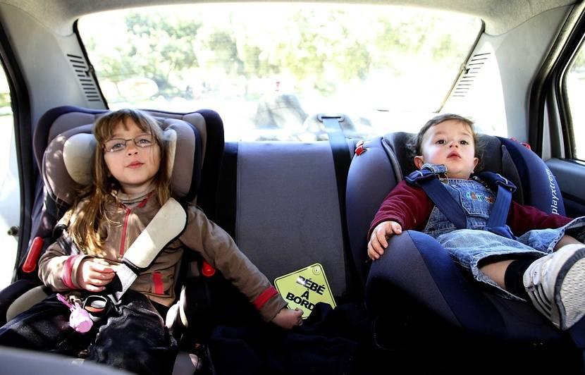 video. siège auto : cinq conseils pour assurer la sécurité de son enfant