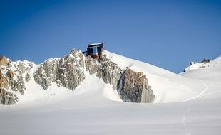 Le refuge des Cosmiques, au Col du Midi