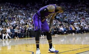 Lebron James a été touché lors de la victoire des Lakers contre les Warriors.