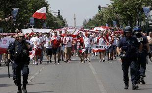 Les supporters de la Pologne à Marseille avant un match contre l'Ukraine, le 21 juin 2016.