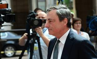 Le président de la BCE Mario Draghi arrive à une réunion del'Eurogroupe, le 11 mai 2015 à Bruxelles