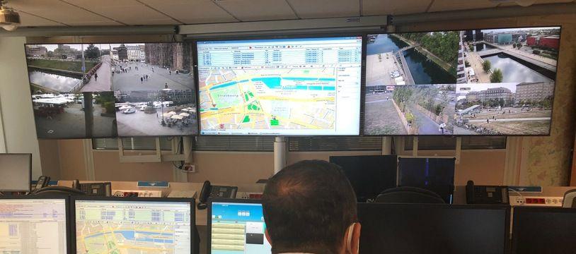 Dans le centre d'information et de commandement de la police, à Strasbourg.