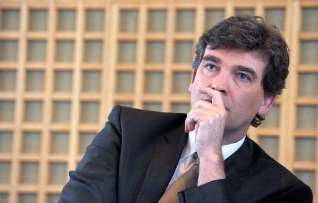 Le ministre du Redressement productif, Arnaud Montebourg, a annoncé jeudi dans les Echos le lancement d'un programme de relocalisation en France d'activités industrielles, visant 300 entreprises, doublé d'un outil pour calculer les avantages financiers d'une telle démarche.
