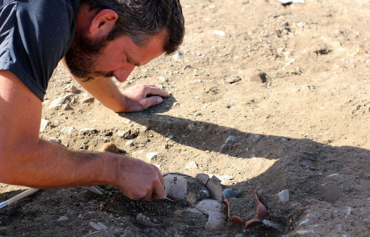 Le chantier de fouilles de l'Hôtel Dieu à Rennes, où les archéologues ont trouvé des traces de civilisation du Ier siècle. Ici, le corps d'un enfant. – C. Allain / APEI / 20 Minutes