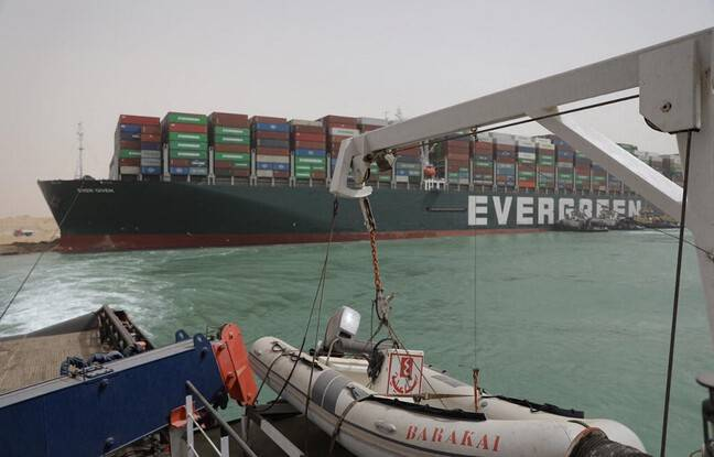648x415 navire ever given bloque travers canal suez egypte 26 mars 2021