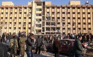 Un carnage a ensanglanté mardi l'université d'Alep avec la mort dans une double explosion de plus de 82 personnes, en majorité des étudiants, dernier épisode en date de la guerre dévastatrice en Syrie.