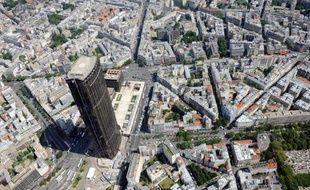 Le dossier amiante reste infernal pour la Tour Montparnasse: un rapport d'expert, rendu public mercredi, a mis en cause l'organisation des travaux et le système de ventilation dans les pollutions récentes, la région Ile-de-France annonçant dans la foulée l'évacuation de ses 200 agents.