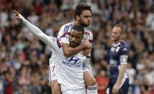 Si Alexandre Lacazette ne se montre guère rassurant quant à son avenir à Lyon, Clément Grenier devrait bien prolonger à l'OL jusqu'en 2019.