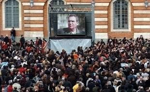 Lors du rassemblement sur la place du Capitole, au lendemain de la mort du chanteur.