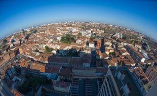 Vue aérienne du quartier Saint-Cyprien à Toulouse.