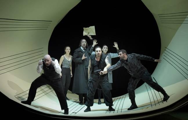 Le Barbier de Séville, dans la mise en scène de Laurent Pelly, avec Florian Sempey