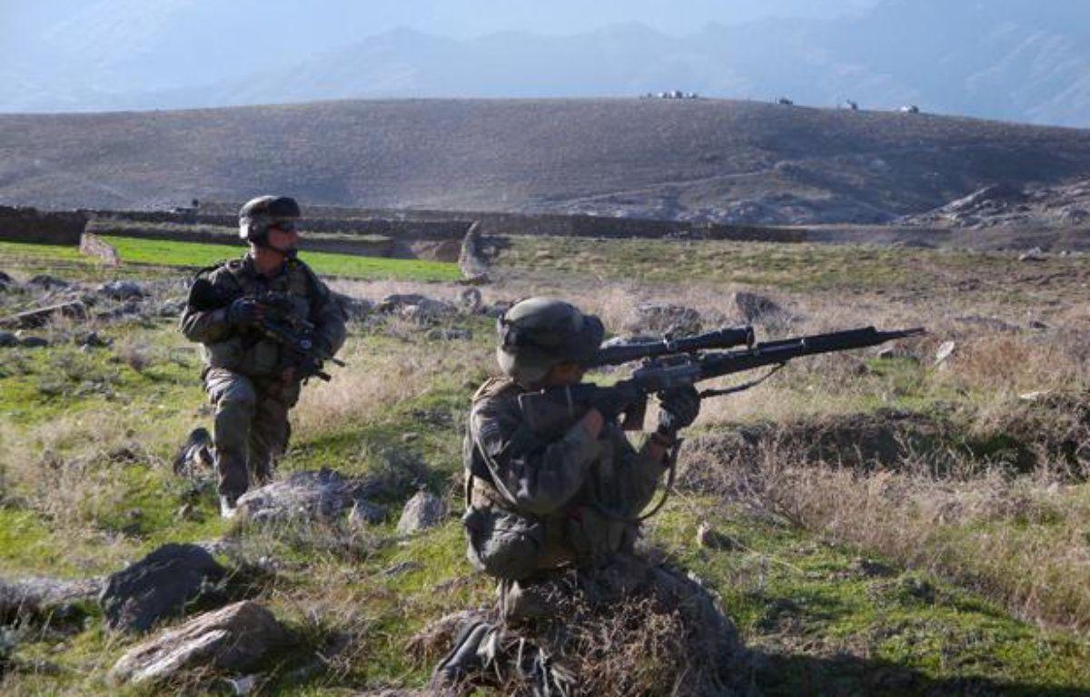 Des soldats français en position dans la vallée d'Ouzbine (Afghanistan), le 12 mars 2009. – T.MALTERRE / AFP