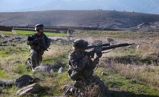 Des soldats français en position dans la vallée d'Ouzbine (Afghanistan), le 12 mars 2009.