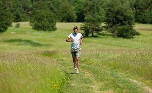 Illustration d'un homme faisant du jogging.