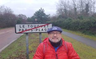 Dimanche, sous la pluie, Patrick Maurin est parti du Touquet pour une nouvelle marche pour sensibiliser aux suicides d'agriculteurs.