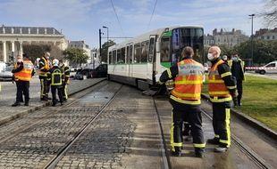 Le tramway a déraillé après une collision, mercredi 3 mars 2021 à Nantes.