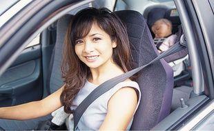 Pour les femmes, la voiture est un véritable lieu de vie, qu'elles choisissent en fonction du prix et de la sécurité plus que du design.