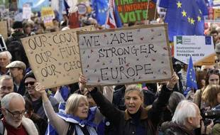 Des manifestants pro-Europe à Londres ce samedi