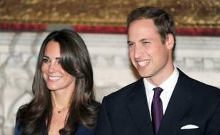 Le prince William et Kate  Middleton annoncent leur mariage le 16 novembre 2010 à Londres.