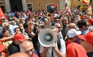 Pressés par Mario Monti, les députés italiens ont entériné mercredi la réforme du marché du travail pour permettre au chef du gouvernement de se rendre jeudi au sommet de Bruxelles avec cette mesure-phare en poche et rassurer ainsi ses partenaires européens.