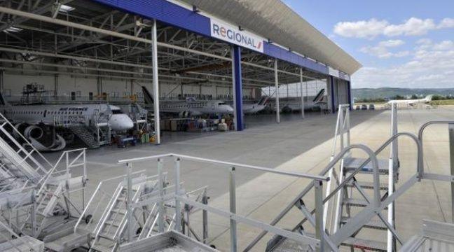 Comme prévu, un tiers des vols de Regional, filiale d'Air France, ont été annulés samedi au deuxième jour d'une grève lancée par plusieurs syndicats inquiets pour la pérennité des emplois.s. – Thierry Zoccolan afp.com