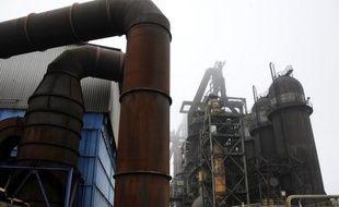 Le ministre de l'Economie, Pierre Moscovici, a apporté son soutien dimanche à son collègue du Redressement productif, Arnaud Montebourg, qui a demandé au groupe de sidérurgie ArcelorMittal de céder l'ensemble du site de Florange (Moselle), et non la simple portion qu'il veut fermer.