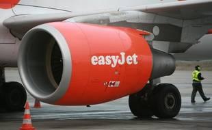 Un avion easyJet sur le tarmac de l'aéroport Toulouse-Blagnac.