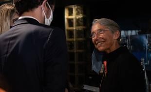 Elisabeth Borne a promis une aide pour les quartiers défavorisés