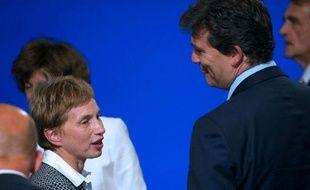 """La présidente du Medef, Laurence Parisot, a mis en garde mardi contre les projets fiscaux du gouvernement, dont elle attend """"de comprendre"""" quelle sera la politique, à la veille de l'ouverture de l'Université d'été du mouvement patronal."""