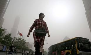 Une vaste tempête de sable a frappé ce jeudi 4 mai Pékin et le nord-ouest de la Chine.