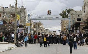 Des manifestants près de la mosquée Omari, à Deraa en Syrie le 22 mars 2011.