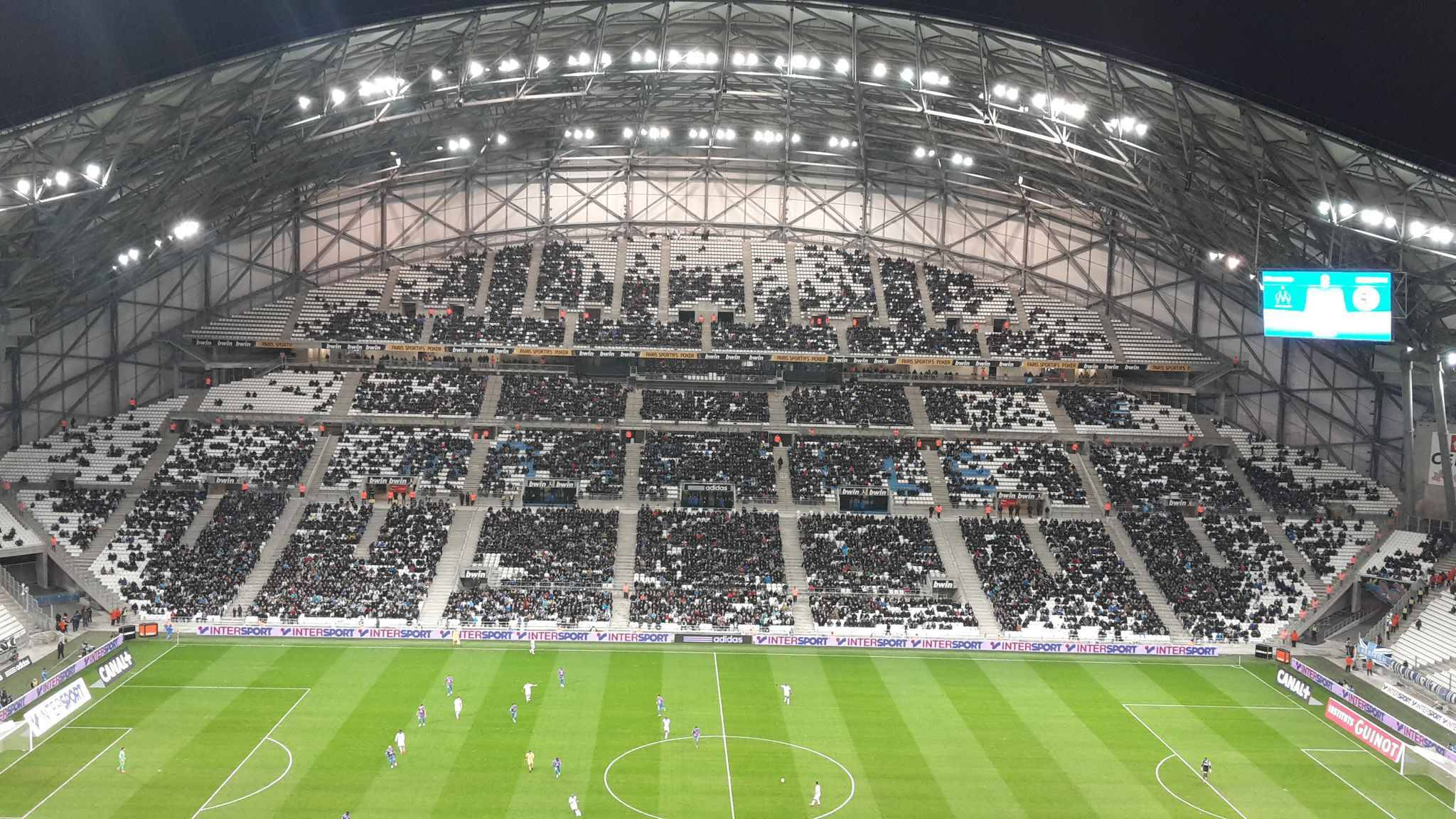 Marseille le stade v lodrome co te la ville 13 5 for Porte 7 stade velodrome