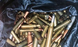 Des milliers de munitions ont été découvertes cachées dans un hangar agricole.