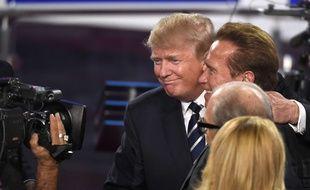 Donald Trump et Arnold Schwarzenegger en septembre 2015 à l'issue d'un débat télévisé de la primaire républicaine.