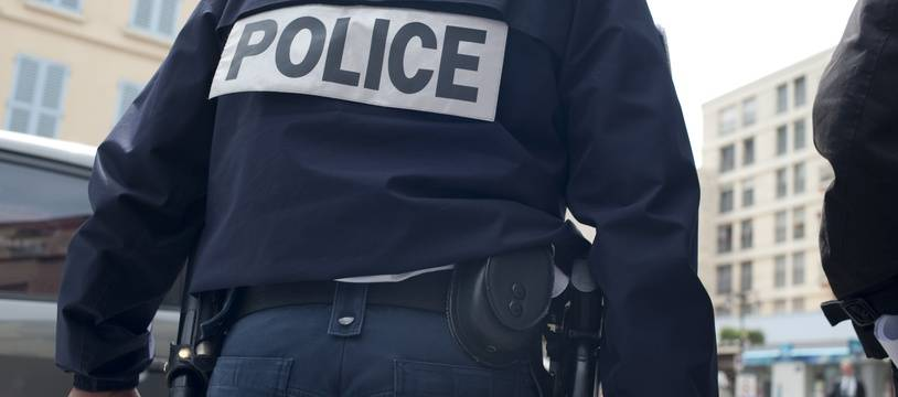 Illustration d'une patrouille de police.