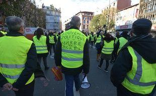 Des «gilets jaunes» à Toulouse, le 24 novembre 2018.