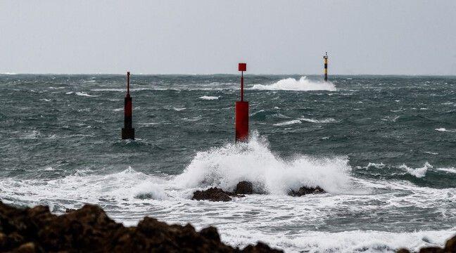 84 réfugiés qui tentaient de traverser la Manche, secourus