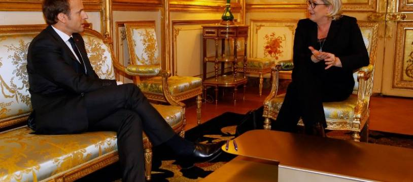 Marine Le Pen rencontre Emmanuel Macron à l'Elysée le 21 novembre 2017. Francois Mori / POOL / AFP