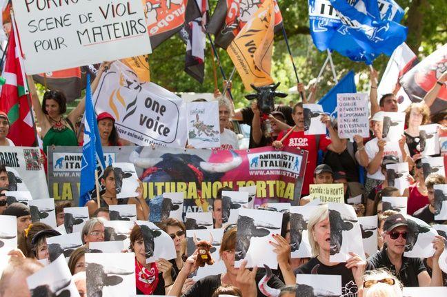 La manifestation organisée par le CRAC COLLET_2132-012/Credit:GUILLAUME COLLET/SIPA/1607232149
