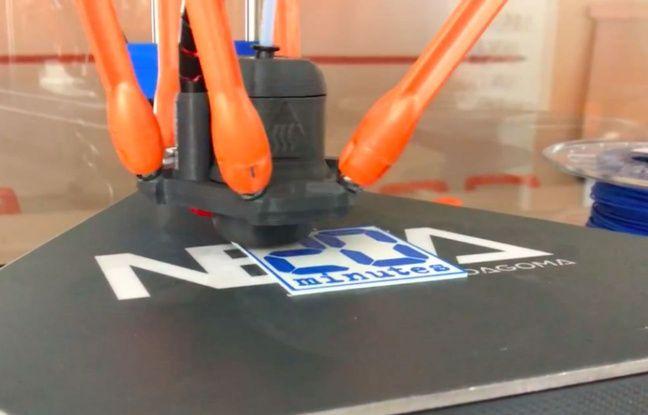 L'impression du logo 20 Minutes avec l'imprimante 3D Magis.