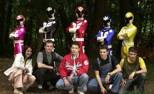 Les France Five, ce sont nos «Bioman» français, les protecteurs de la Tour Eiffel, une bande de potes fans de mangas et de japanime, et des stars au Japon