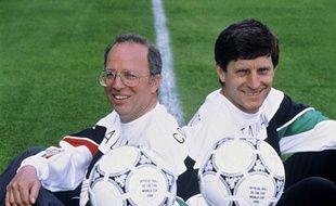 Thierry Roland et Jean-Michel Larqué, lors de la Coupe du Monde 1990 en Italie.